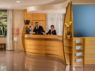 villa-aurelia-hotel-roma-pasillo-principal-01