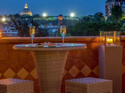 villa-aurelia-hotel-roma-bar-panoramico-05