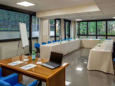 villa-aurelia-hotel-rome-meeting-room-07