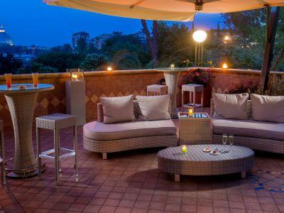 villa-aurelia-hotel-roma-bar-panorámico-04