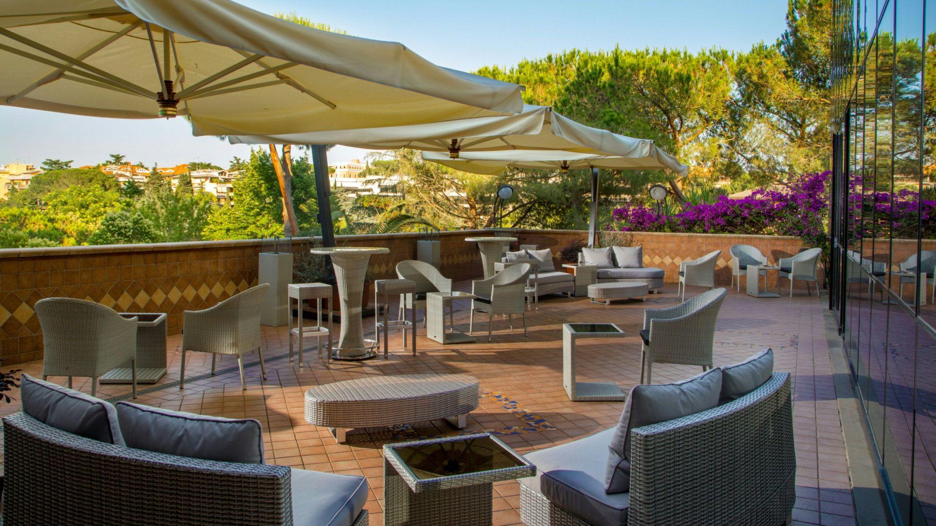 villa-aurelia-hôtel-rome-bar-panoramique-03